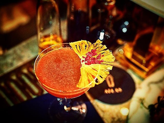 Another of my #throwback cocktail 🍹 by @simseaweed I must get well soon.