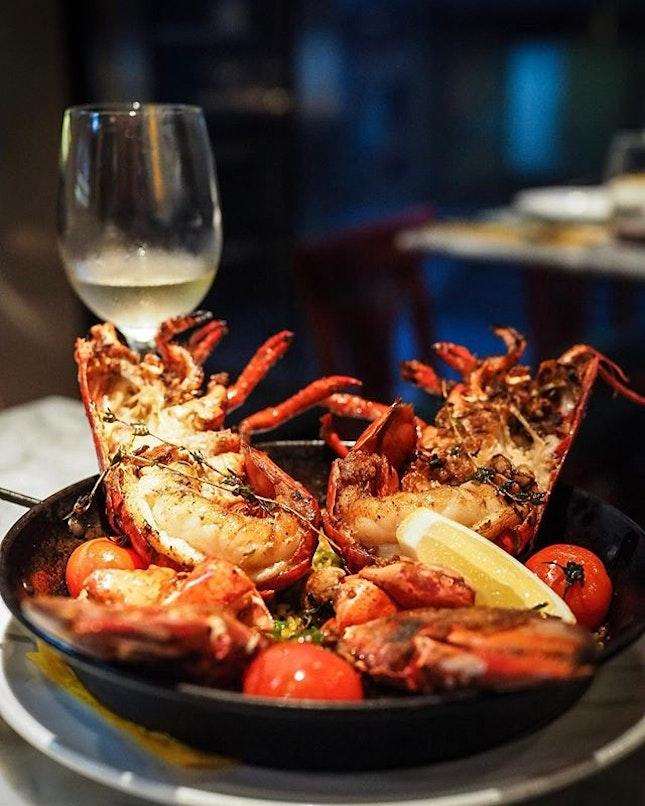 Lobster Paella 🥘 @lataperia_sg Carbo!!