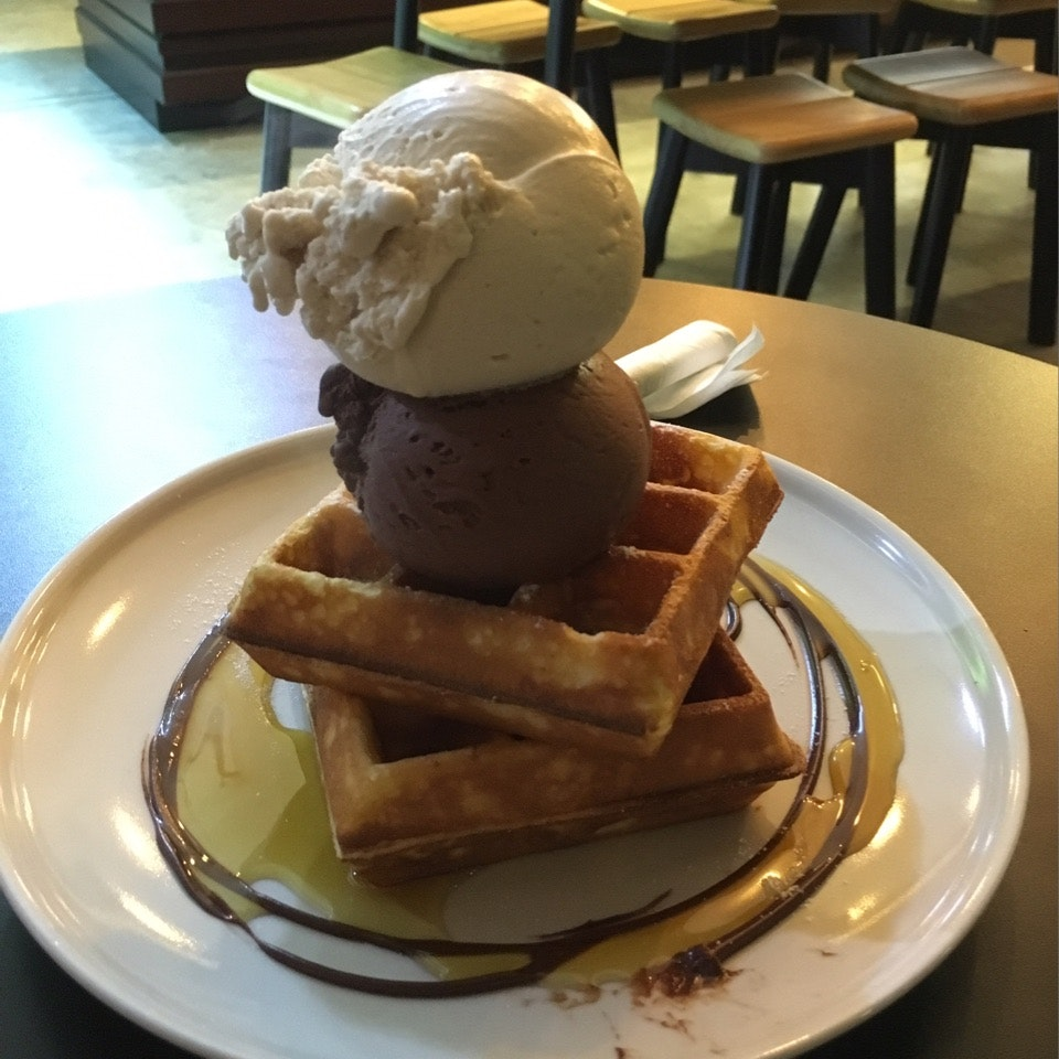 Waffle And 2 Scoops Of Ice Cream