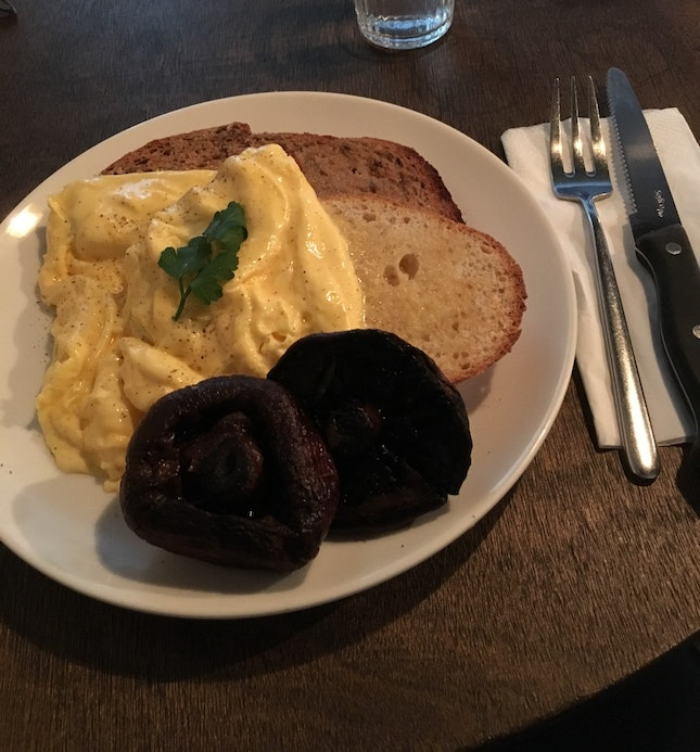 Scrambled Eggs On Toast With Portobello Mushrooms