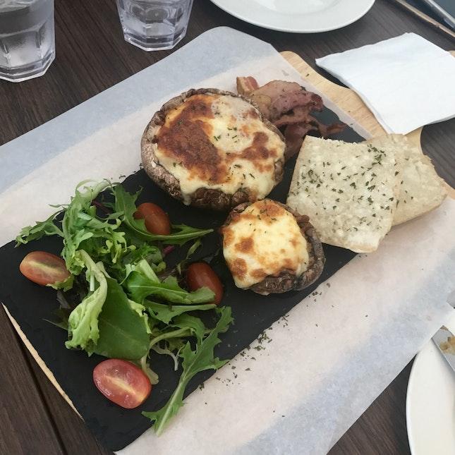 Egg & Cheese Portobello Mushroom with Grilled Bacon ($15.90)