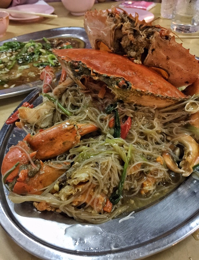 Crab Bee Hoon ($175, with two crabs)