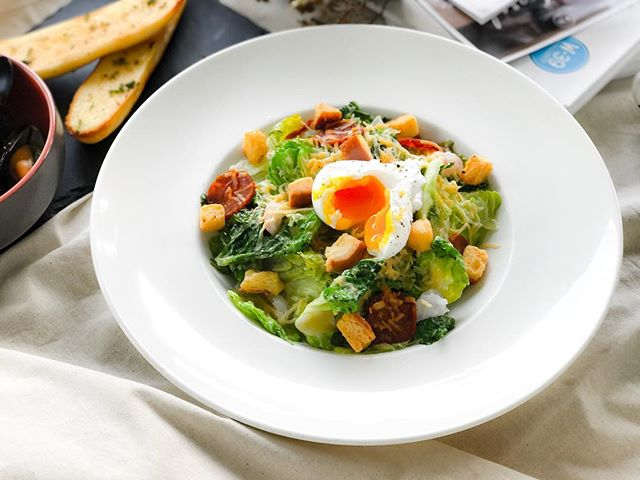 W39 Bistro & Bakery - HOSTED TASTING - Starters - W39 Signature Baked Caesar Salad (💵S$12)  with Sweet Shrimps, Chorizo, poached Egg, Cheese served Warm.
