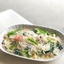 White Restaurant / Sembawang White Bee Hoon 三巴旺百米粉 @whitebeehoonrestaurant - The Original White BeeHoon 招牌白米 (💵S$6, S$10, S$15) 🥢 .