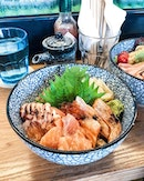 I've noticed too long has passed since I had some kind of sashimi rice bowl.