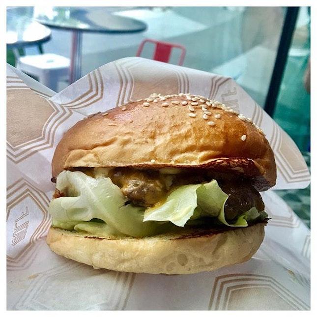 Wolf Burger ? MEDIUM.