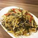 😋👍🏼👍🏼 小菜 maybe better than DTF :p  #melfclar #juhaobymof #juhaoxiaolongbao #ministryoffoodsg