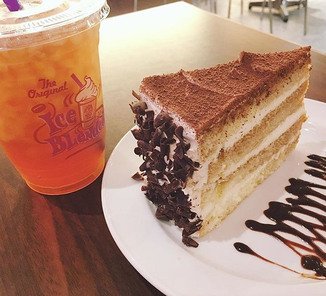 Before my work meeting today :) good to chill a lil with ice tea and tiramisu!
