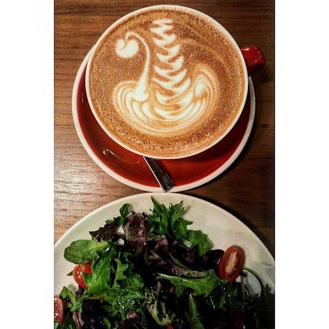 This absolutely gorgeous looking and tasting Roasted Almond Latte has my heart!