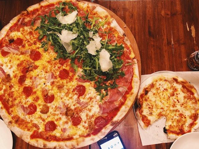 XXL Pizzas