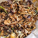 First time to actually try the char kway teow at Whampoa Drive Market (afternoon side).