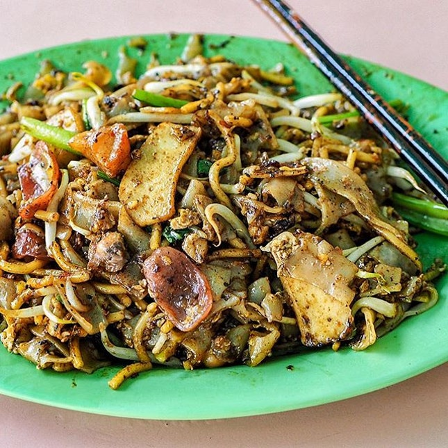A plate of fried Kway Teow with lots of Wok-Hei and a side of sin!