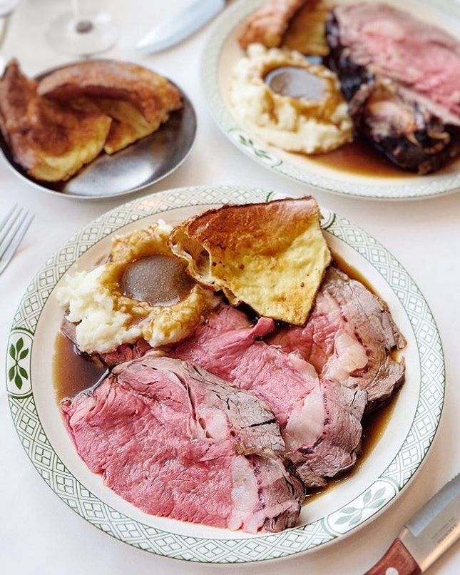 Our prime rib lunch includes the famous spinning bowl salad with Lawry's vintage dressing, Idaho mashed potatoes and Yorkshire pudding.