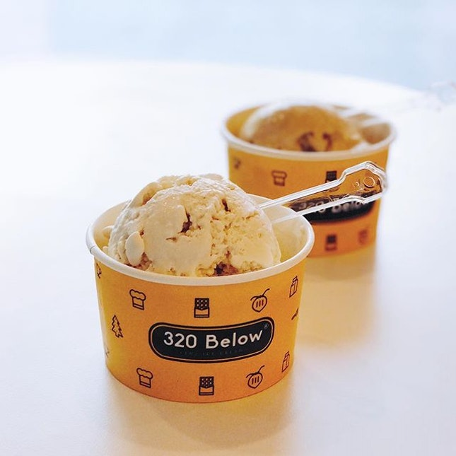 Earl Grey & Salted Caramel [$4.90]Cause the weather is unbearable and @320below is currently having 1-for-1 promotion under the f'east event at Far East Malls.