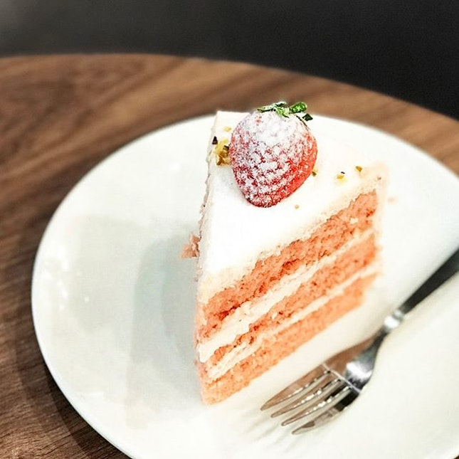 Pink Blush Strawberry Cake [S$8.50] ・ This cake from @CedeleSingapore is similar to their Red Velvet in terms of the texture.