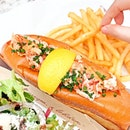 Lobster Roll [S$40.00] ・ Fresh chilled lobster meat tossed in Japanese mayo & topped w chives in toasted brioche roll | Fries | House Salad ・ Hands down to @BurgerAndLobsterSG's Lobster Roll!