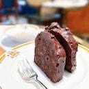 Chocolate Cocoa Bean Cake [S$8.00++/2 slices] ・ Accompanied by coffee flower honey, the combination gives a relatively refreshing take from just eating the chocolate cake alone.