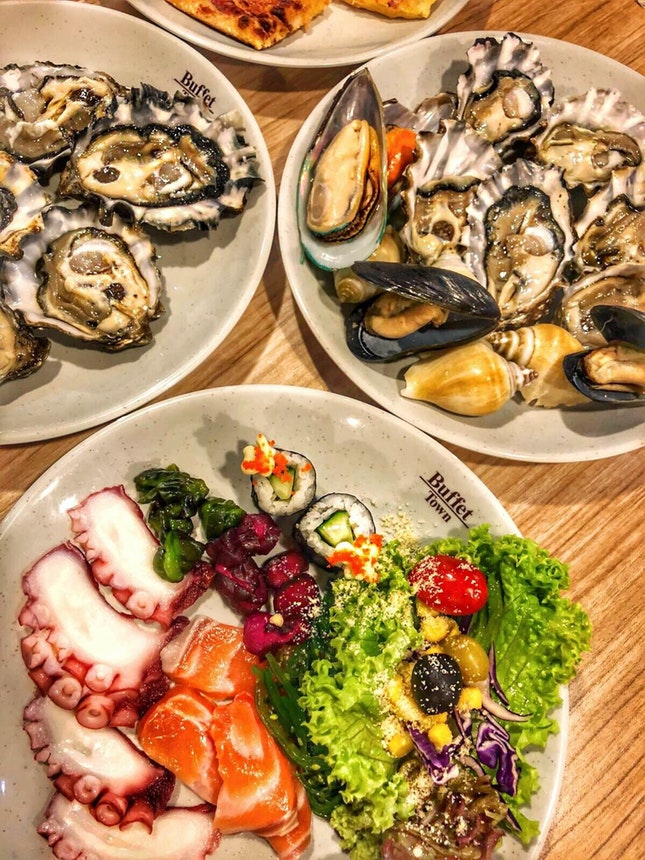 Oysters&Sashimis