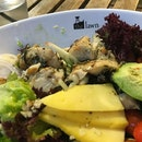 Sore throat and headache, should top up veg & fruits for my health 🥗🥗🥗 #salad #saladbowl #foodie #foodporn #foodiegram #vegetarian #chickenbreast #mango #avocado #vegetables #fruit #eathealthy #thelawn #burpple #burpplesg #exploresingapore #igsg #sgig