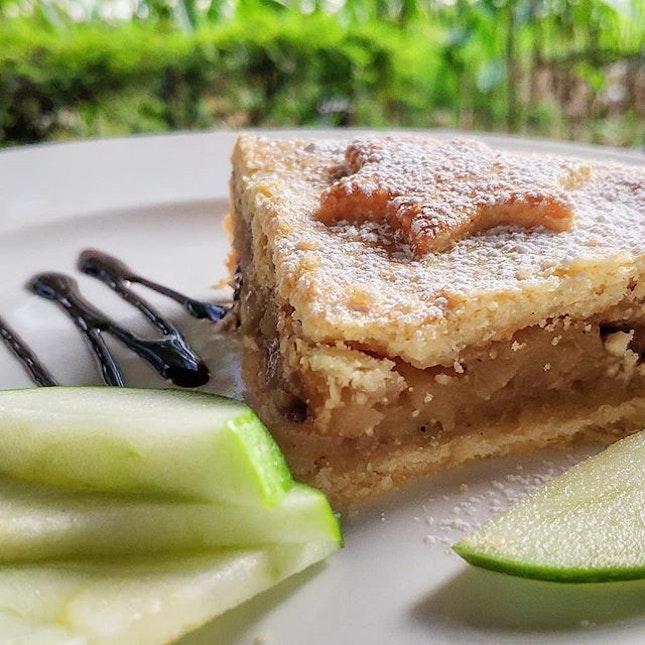 Apple Pie 🍏 @ The Book Cafe : : #singapore #sg #igsg #sgig #sgfood #sgfoodies #food #foodie #foodies #burpple #burpplesg #foodporn #foodpornsg #instafood #gourmet #foodstagram #yummy #yum #foodphotography #dessert #desserts #sweet #apple #pie #applepie #greenapple #thebookcafe #cafe #sgcafe