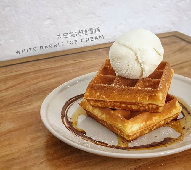 大白兔奶糖雪糕 White Rabbit Ice Cream @ Creamier : : #singapore #sg #igsg #sgig #sgfood #sgfoodies #food #foodie #foodies #burpple #burpplesg #foodporn #foodpornsg #instafood #gourmet #foodstagram #yummy #yum #foodphotography #nofilter #sgcafe #sgcafes #sgcafefood #weekend #dessert #icecream #sweet #whiterabbit #大白兔奶糖