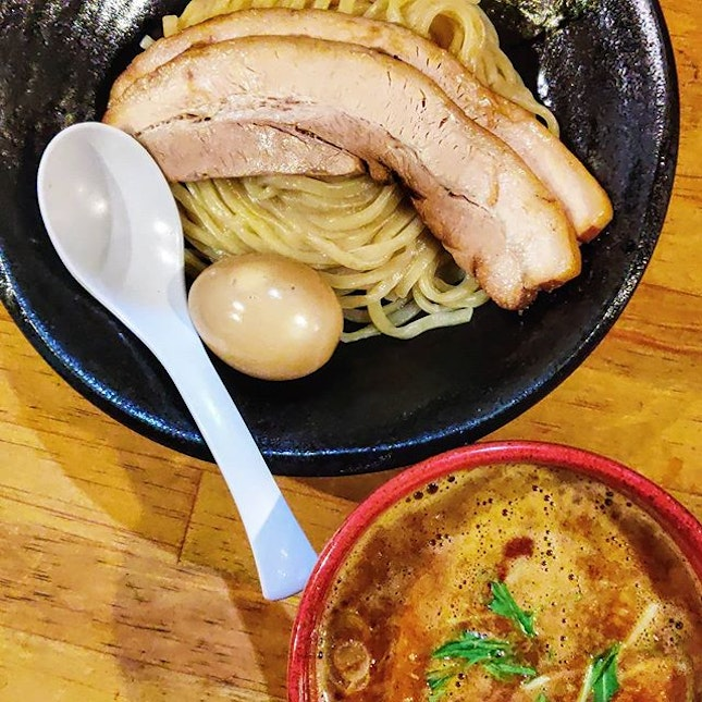 It's a good bowl of Tsukemen but I haven't found one that can match my favorite in Tokyo : : #japan #日本 #osaka #大阪 #travel #traveller #travelphotography #mobilephotography #holiday #holidays #tourist #wanderlust #food #foodie #foodies #burpple #foodporn #instafood #gourmet #foodstagram #yummy #yum #foodphotography #ramen #japanesefood #tsukemen #spicy #つけ麺雀 #つけ麺