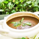 Creamy truffle mushroom soup 🍄 .