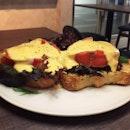 Eggs Benedict (S$14.90)
