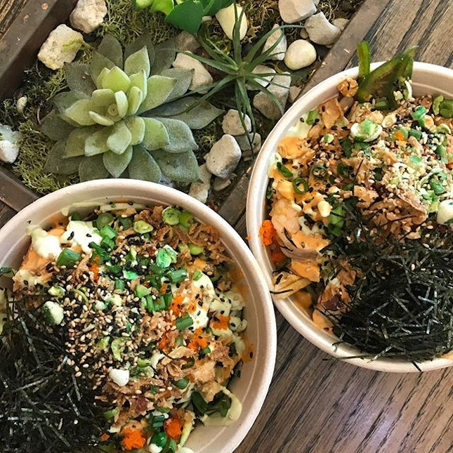 Love love north america becuz poke bowls are so easy to find and they aint super ex either!!
