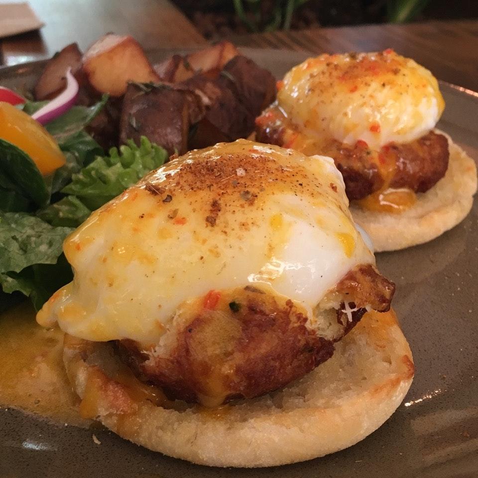 Crabcake Egg Benedict $22
