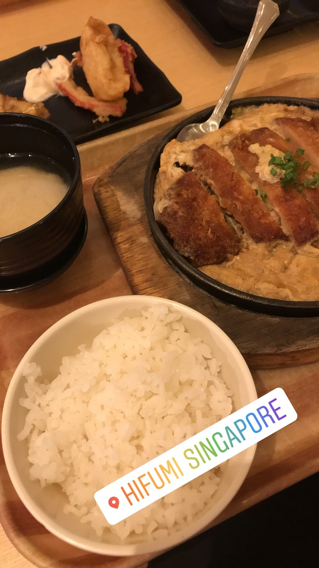 Pork Cutlet with Omelet and Rice
