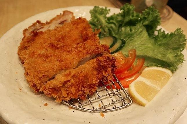 Crispy and juicy chicken katsu, but just beware of the amount of oil 😀 .