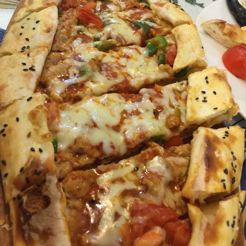 Chicken Pide (Turkish pizza)