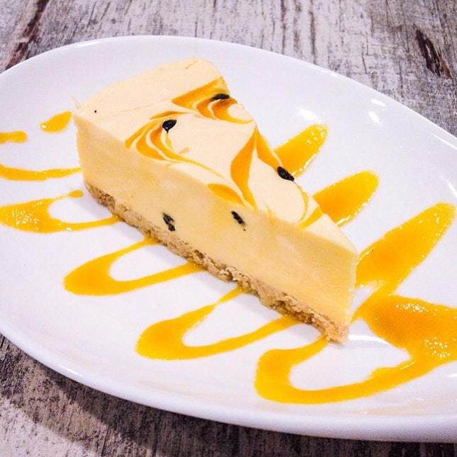 Oh, how we adore cheesecakes.