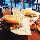 🍔 😍 #bergs #throwback #tbt #vsco #vscom #vscophile #vscosg #vscofood #igsg #sgig #nomnom #food #foodie #fotd #foodgasm #foodstagram #burpple #burpplesg #onthetable #instafood #8dayseats #foodphotography #ighub #dinner #favorite #burgers #entertainerapp