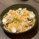 Vongole Pasta With Scallops ($26+$8)