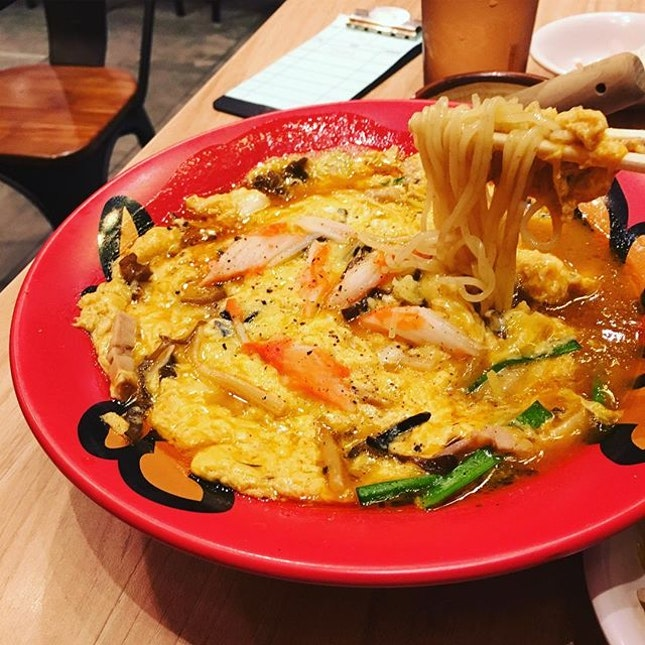 For a satisfying eggy meal, head straight to Keisuke for their Kani Tama Ramen ($13.90) with a fluffy fried omelette suspended in flavourful crab broth and springy ramen.