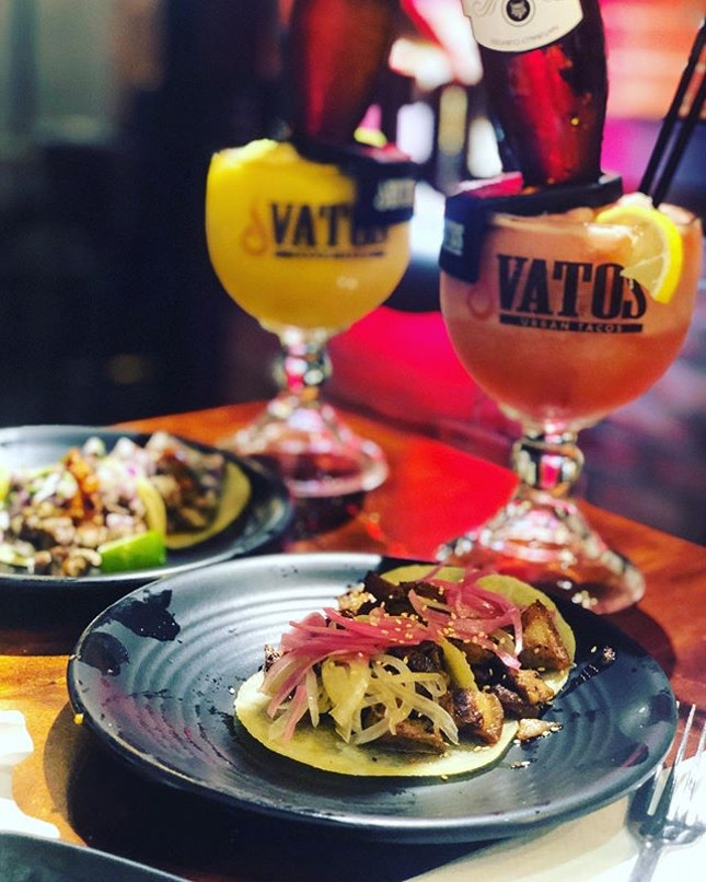 Having a flavour party at @vatossg Galbi Short rib & Korean pork belly tacos- loving the well marinated meats with an Asian twist.