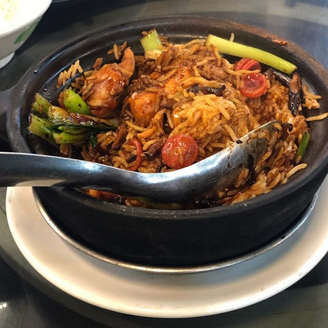 Tucked in an industrial estate, La Chasseur whips up delicious tze char style food, including their famed claypot chicken rice ($13) served with basmati rice that absorbed all the flavourful goodness of the ingredients in the pot.