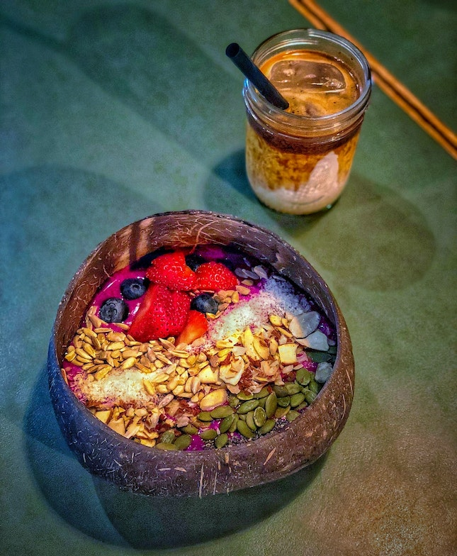 Smoothie Bowl And Muddy Espresso