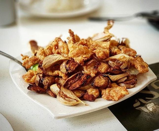 蒜爆花肉 Garlic Chicken  #fatlun #alaneaton #alaneats #burpple #burpplesg #sgfood #foodiegram #foodie #foodphotography #food #foods  #alanadventures #배고파  #sedap #singaporedelights #sgdelicious #instafood #foodgasm #hungry #puns #garlic #singaporefood #foodie #chicken #sgfoodie #foodies #makan #makanmakan #burpple #burpplesg