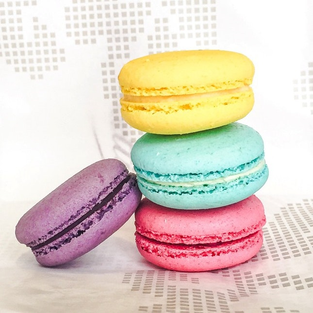 Macarons of eye-catching colours from Brunetti!