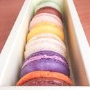 #macaronsmonday  Macarons from Bakerzin (front to back): Chocolate Orange🍊, Blueberry, Scarlet, Yuzu, Hazelnut, Bitter Chocolate 🍫 and Pistachio.