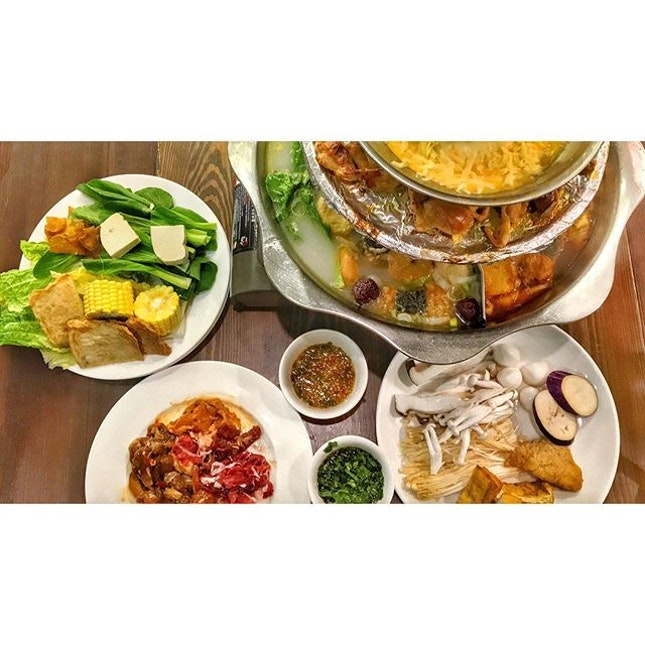   🥘 Popular Halal Buffet offering 50 over items !...