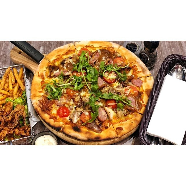 | 🍕  Curry Chicken Pizza So Good 。...
