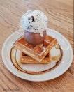 Waffle + Cookies n Cream Ice Cream And Chocolate Ice Cream