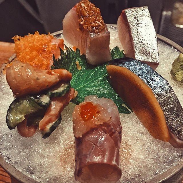 Ronin sashimi platter 🙌🏻🙌🏻 .