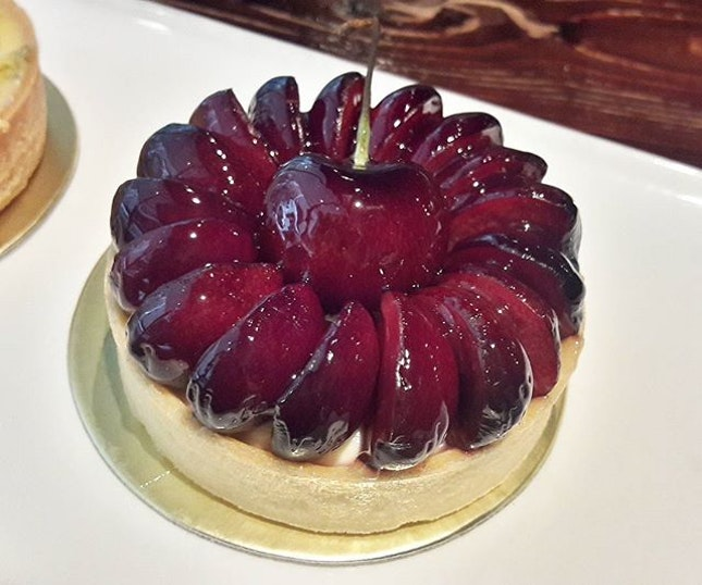 Needed some sugar rush and soother, so Cherry Tart (SGD$8.00) here I come.