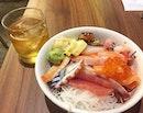 Standing Sushi Bar (8Q SAM)