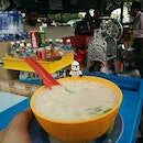 This cendol may look simple and unassuming, but it packs a punch of flavour (not to mention hidden pulut)!